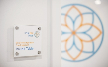 Round_Table_8